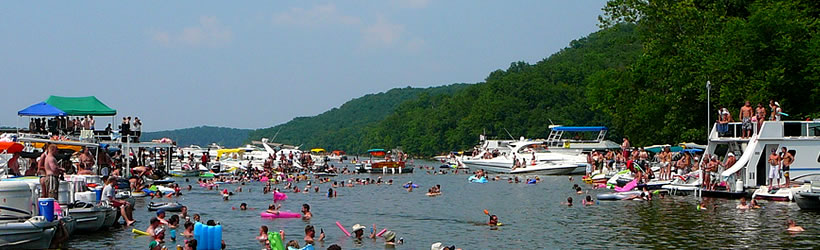 Houseboating Lake of the Ozarks